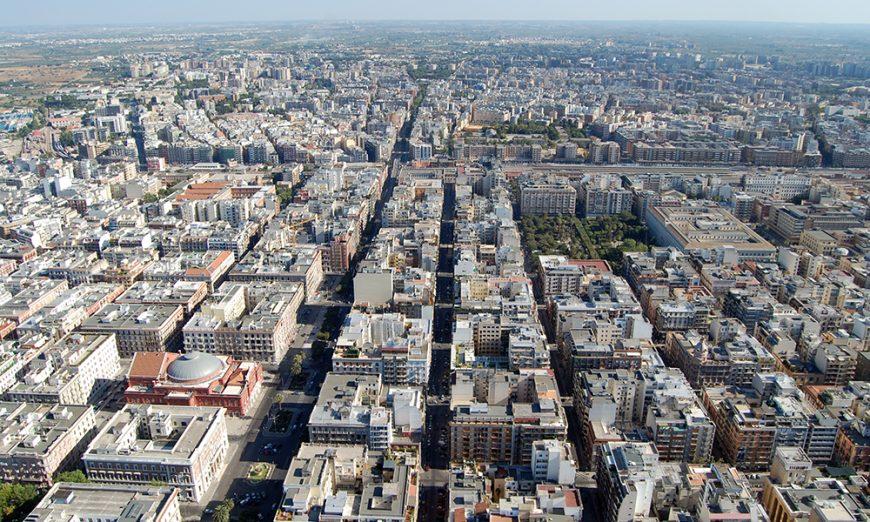comuni, bari dall'alto - foto Gianni Avvantaggiato