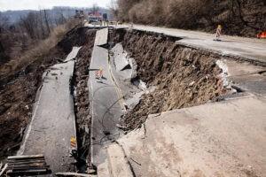Dissesto idrogeologico - cedimento sede stradale